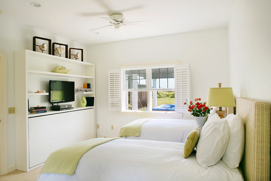 Every guest suite at the Winnetu Cceanside Resort is furnished with either a transforming Kali Duo bunk wall bed, or a Kali single wall bed with a built-in bookcase.